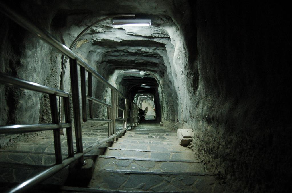 Japanese_Tunnel_Bukittinggi_Indonesia