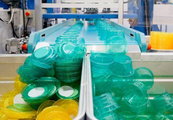 produzione-di-massa-di-plast-768x532